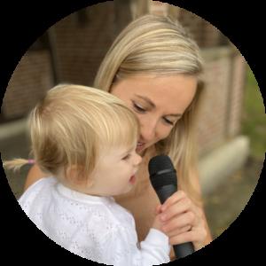 Rednerin Alisa mit Baby